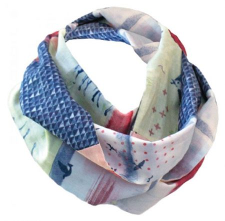 3 Handmade Mother's Day Gifts for Quilters featured by top US quilting blog, Seams Like a Dream Quilt Designs: Kozy Q Scarf